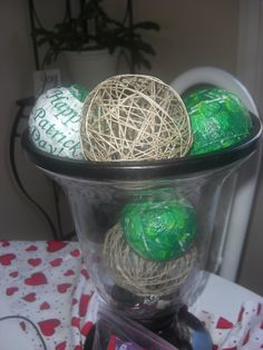 homemade modge podge balls and twine balls (love the holiday decor, this would be fun)