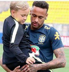 Neymar Family, Neymar Pic, Neymar Brazil, Bae, Messi, Daddy And Son, Soccer Guys, Lewis Hamilton, Fc Barcelona