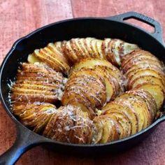 Made these and they are awesome! Hasselback Potatoes With Parmesan And Roasted Garlic Recipe by Onion Rings and Things Garlic Recipes, Oven Recipes, Side Dish Recipes, Veggie Recipes, Cooking Recipes, Cooking Tools, Cooking Okra, Healthy Potato Recipes, Camping Cooking