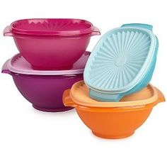 Tupperware, I have an updated set of these the colors are just a little bit brighter.