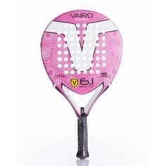Pala de pádel Vairo Zafira 6.1 Una de las palas femeninas de Vairo. Pala de fácil manejo, con tecnología antishock para la reducción de vibraciones y un refuerzo de carbono en el corazón que la convierte en una excelente pala de precisión.