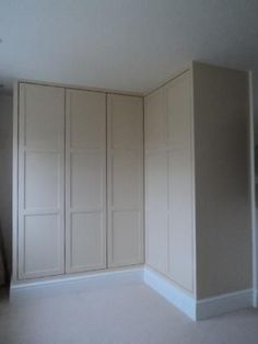 Could add storage like this but have door at end which goes into an en suite Corner Closet, Corner Wardrobe, Ikea Wardrobe, Wooden Wardrobe, Built In Wardrobe, Bedroom Wardrobe, Wardrobe Design, Bedroom Inspo, Home Bedroom