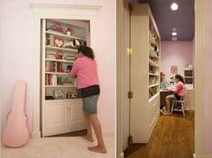 Prepare-se para descobrir algumas portas e móveis que ocultam ambientes