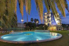 La piscina di sera.    The pool in the evening  #Grottammare