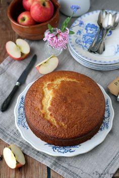 Yogurt cake - Pastry World Angel Cake, Macarons, Coco, Sweet Recipes, Tiramisu, Graham, Good Food, Dessert Recipes, Food And Drink