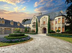Colleyville | Texas | via Redfin | #LuxuriousHomes