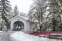 Photographing Oregon: Hannah Covered Bridge, Oregon in the winter.