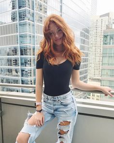 Glossy Rose - 20 Brilliant Rose Gold Hair Color Ideas for 2019 - The Trending Hairstyle Pretty Redhead, Redhead Girl, Gold Hair Colors, Red Hair Color, Red Hair Outfits, Costume Noir, Ginger Girls, Beautiful Red Hair, Strawberry Blonde Hair