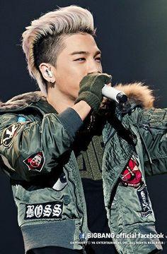 Taeyang ♕ #BIGBANG // @ Sapporo Dome (140104) Daesung, Top Bigbang, Big Bang, Kpop, Ringa Linga, Bae, G Dragon Top, Baby Baby, Marching Bands