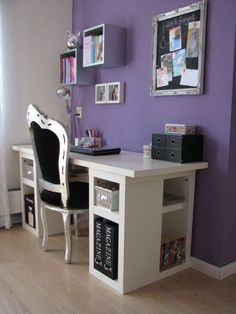 Theater-tienerkamer 9. Great girl's study area. Love the desk and the purple. Not sure about the chair but the shelves work. I think my daughter would like it.