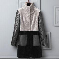 Fur Fashion, Fashion Dresses, Womens Fashion, Winter Coats Women, Coats For Women, Winter Chic, Denim Coat, Sewing Clothes, Wool Coat