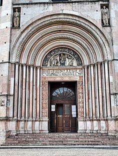 Parma. Battistero