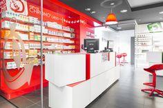 """Mobiliario comercial @mobilm Espacio """"RapidFarma"""" para el consejo y dispensación #farmacia www.mobil-m.es"""