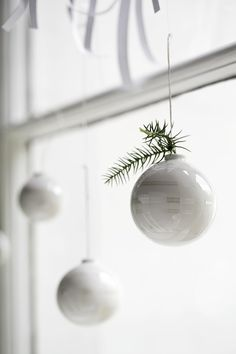 simple white christmas ornaments