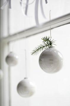 Omaggio_christmas_baubles_closeup_High Auflösung JPG_296201