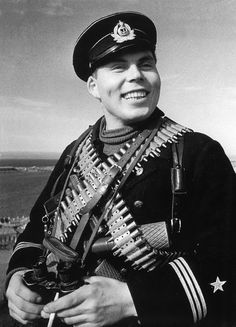 Armed to the teeth, ready, willing and able: Marine Chief Petty Officer, Black Sea Fleet  N. Anikin, 1942.