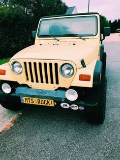 My dream car 😍💛 My Dream Car, Dream Cars, Jeep Cars, Jeep Jeep, Jeep Truck, Good Vibe, Car Goals, Cute Cars, Future Car