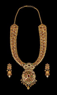 Indian Jewellery and Clothing: Vb jewellers - Indian Jewellery and Clothing: Vb jewellers - Indian Jewelry Sets, Indian Jewellery Design, Indian Wedding Jewelry, India Jewelry, Temple Jewellery, Bridal Jewelry, Gold Jewelry, Jewelry Design, Gold Necklaces