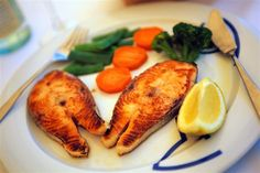 25 Fish recipes for Lent and Fish Fridays throughout the Lenten Season and year. The seafood recipes are divided up by the type of fish used in the recipe E Cooking, Cooking Recipes, Healthy Recipes, Healthy Meals, Hcg Recipes, Delicious Meals, Healthy Weight, Fish Recipes, Seafood Recipes