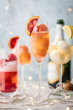 40 Fruity Mimosa Recipes for Your Best Brunch Ever - Mimosa Recipe Cocktail Desserts, Cocktails, Cocktail Recipes, Martinis, Cocktail Drinks, Drink Recipes, Salad Recipes, Best Mimosa Recipe, Mimosas Recipe