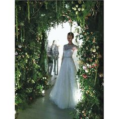 Secret Garden…bridal style Now if this is not an entrance I don't know what is its breathtaking