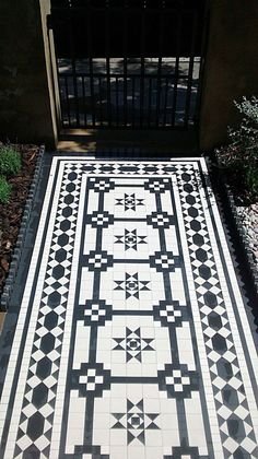 intricate victorian mosaic tile path in black and white islington london Porch Tile, Patio Tiles, Outdoor Tiles, Cement Tiles, Hall Tiles, Tiled Hallway, Victorian Mosaic Tile, Victorian Bathroom, Porche
