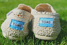one day,you will love to have one pair of toms crochet shoe...re-pin it Cheap Toms Shoes, Toms Shoes Outlet, Toms Crochet, Crochet Shoes, Runway Fashion, Fashion Shoes, Womens Fashion, Fashion Tips, Fashion Trends