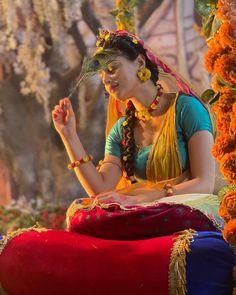Radha Krishna Songs, Radha Krishna Pictures, Krishna Photos, Krishna Art, Radhe Krishna, Muslim Girls Photos, Cute Baby Boy Images, Shri Hanuman, Wedding Couple Poses Photography