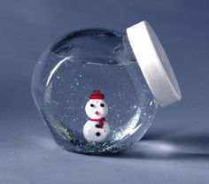make your own snow globe...personalize for friends