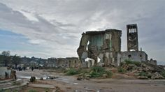the city consists mostly of war ravened ruins and a lot of violent citezens