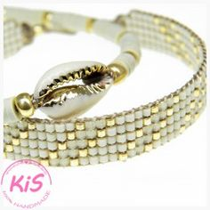 ZESTAW BRANSOLETEK KIS Z MUSZLĄ #KAURI Bangles, Beaded Bracelets, Ocean, Jewelry, Bracelets, Jewlery, Jewerly, Pearl Bracelets, Schmuck