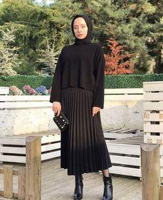 Trendy how to wear hijab classy Ideas Modest Fashion Hijab, Modern Hijab Fashion, Street Hijab Fashion, Tokyo Street Fashion, Casual Hijab Outfit, Hijab Fashion Inspiration, Hijab Chic, Hijab Dress, Abaya Fashion