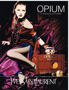 Publicité Advertising 1993 Parfum Opium Par Yves Saint Laurent avec Kate Moss