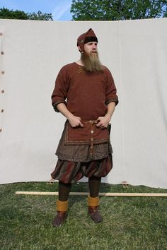 "Excellent garb! Especially the dark, 'earthy', colours, look realistic, yet not like the grey-brown rags, those ""Mickey Mouse Vikings"" wear in that terrible american TV series!"