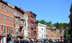 View of the popular tourist destination of Galena, Illinois during a busy summer day.