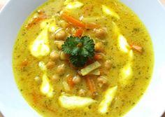 Csicseriborsó leves Hungarian Recipes, Hungarian Food, Cheeseburger Chowder, Hummus, Thai Red Curry, Food And Drink, Gluten, Vegan, Healthy