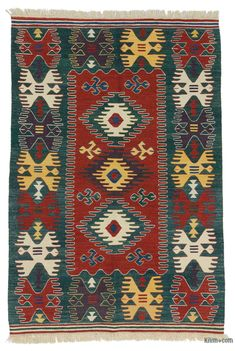Beautifully transform your living space with our handmade, authentic and timeless new kilim rugs that carry with them many of the traditi… Small Tapestry, Textiles, Carpet Colors, Persian Carpet, Turkish Kilim Rugs, Rugs On Carpet, Handmade Rugs, Hand Weaving, Red Green
