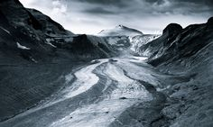 """Monochromatic Alps"" par Jakub Polomski."
