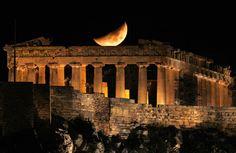 Esta es una de las acrópolis que mejor representa a las acrópolis griegas, conociendo que las acrópolis se encuentran en la parte más alta de la ciudad