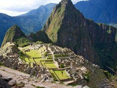 Machu Picchu, Peru (c. AD 1400). www.secretearth.com/attractions/1635-machu-picchu
