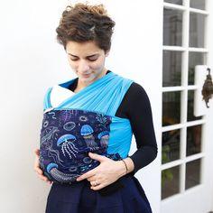 Liliputi® Stretchy Wrap Rainbow line - Deep Blue Young Baby, Woven Wrap, Baby Wraps, Deep Blue, Gym Bag, Stylish, Rainbow, Fashion, Bebe