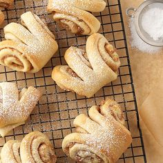 Cinnamon Fantans Delicious served at Thanksgiving dinner or for Christmas brunch; making slits in the dough before baking creates a playful fantail shape and a sneak peek of the scrumptious cinnamon filling inside. Full recipe from BHG Just Desserts, Dessert Recipes, Pan Relleno, Bread Shaping, Sweet Bread, Coffee Cake, Cinnamon Rolls, Baking Recipes, Yummy Food