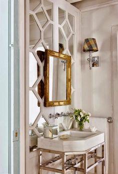 Beautiful bathroom with decorative trim