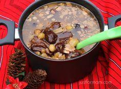 El ponche de frutas de Guatemala se sirve calientito en las posadas, Navidad y Año Nuevo. Hay algunas variaciones y gustos en cuanto a algunas frutas