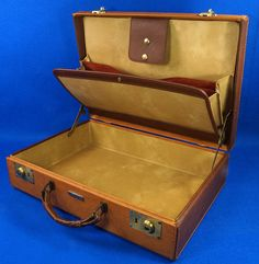 Vintage 1950's Samsonite Leather Briefcase To see the Price and Detailed Description you can find this item in our Category Vintage Office on eBay: http://stores.ebay.com/tincanalley1/Vintage-Office-/_i.html?_fsub=19469219018  RD14410