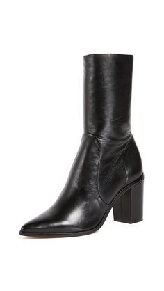 Is Every Girl in NYC Wearing These Boots Now?