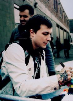 Find images and videos about my chemical romance, mcr and frank iero on We Heart It - the app to get lost in what you love. Mikey Way, Frank Iero, Gerard Way, Emo Bands, Music Bands, My Chemical Romance, Ray Toro, Black Parade, Pierce The Veil