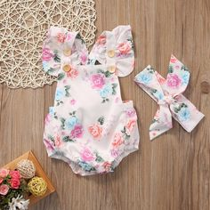 Who can denie that this floral baby girl romper is super cute? 😘😍❤️ Sleeveless Floral Baby Girl Romper White With Snaps Headband Included Baby Outfits Newborn, Baby Girl Newborn, Baby Boys, Toddler Girls, Infant Toddler, Floral Bodysuit, Floral Romper, Baby Girl Romper, Baby Bodysuit