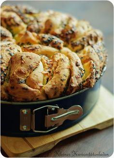 Kleiner Kuriositätenladen: Kräuter-Käse-Zupfbrot