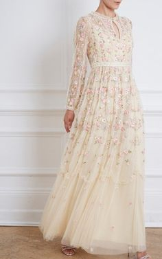 Tulle Gown, Lace Dress, Dress Long, Hijab Fashion, Fashion Outfits, Contemporary Dresses, Beautiful Gowns, Beautiful Clothes, Needle And Thread